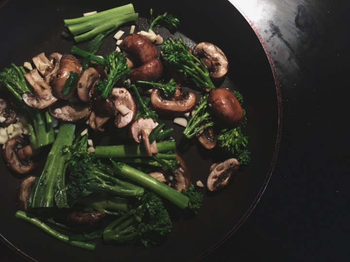 Sautéed mushrooms with garlic and greens